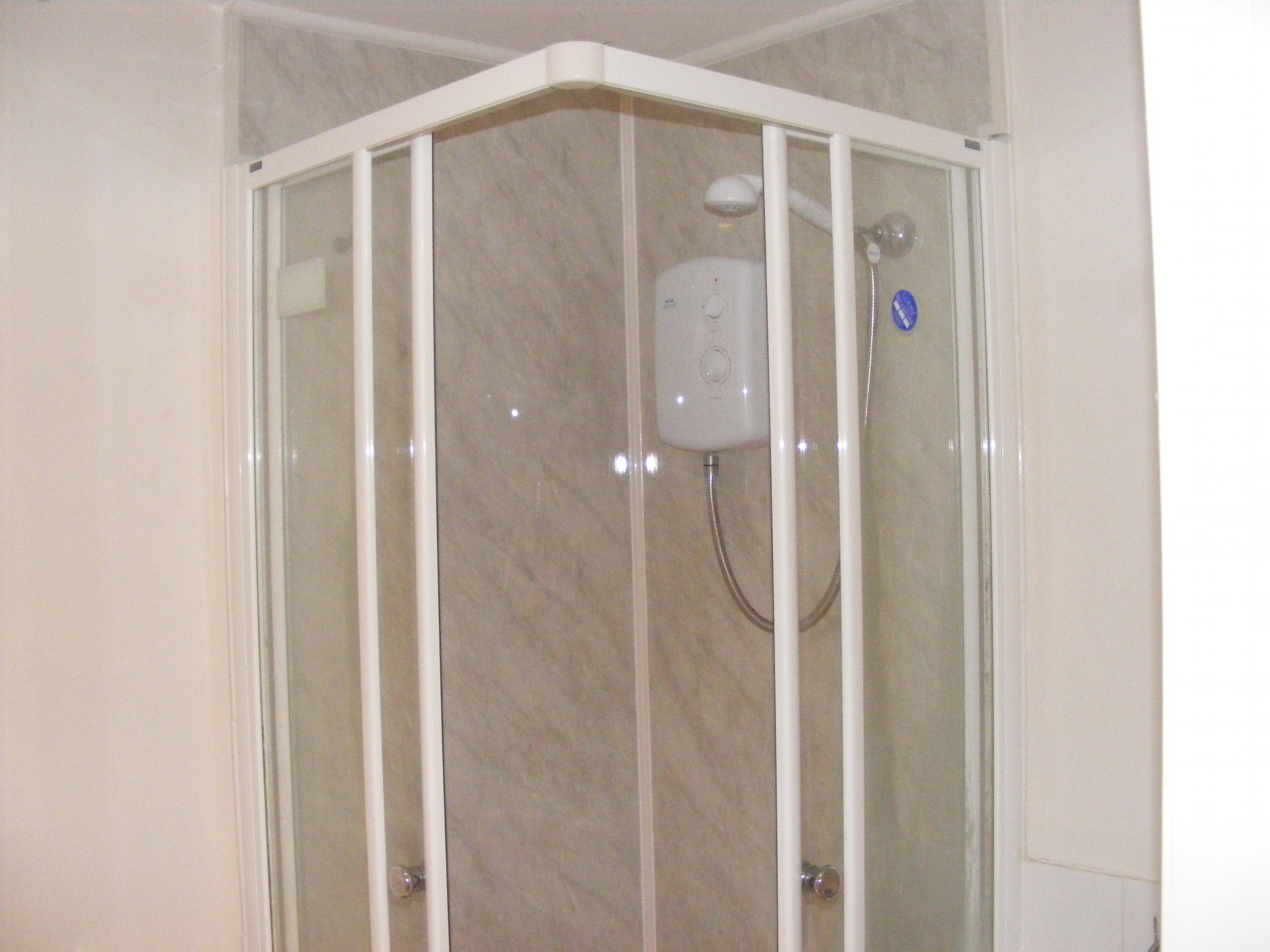 Getting Rid Of Shower Grime And Pesky Pigeons A Practical Guide - Aquaboard shower panels